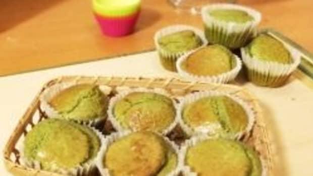 no-sugar-gluten-free-matcha-muffins