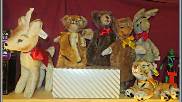 character-novelty-company-stuffed-animals-plush-toys-and-puppets