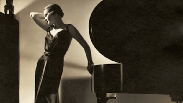 additional-images-from-icons-of-style-a-century-of-fashion-photography-museum-of-fine-arts-houston