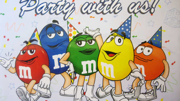 m-and-m-birthday-party-ideas-and-supplies-for-a-themed-party