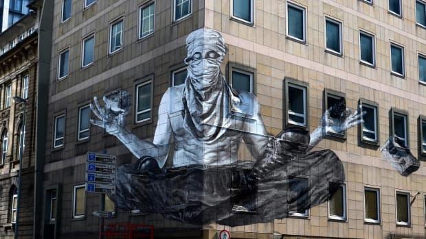 alexandre-orion-reverse-graffiti-artist-saint-or-sinner