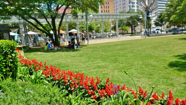 market-square-park-historic-beauty-in-downtown-houston