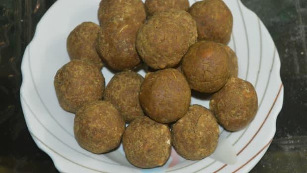 whole-black-chana-flour-unde-whole-black-chickpea-flour-jaggery-balls