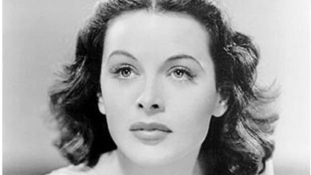 hedy-lamarr-inventor-of-frequency-hopping-or-spread-spectrum-switching