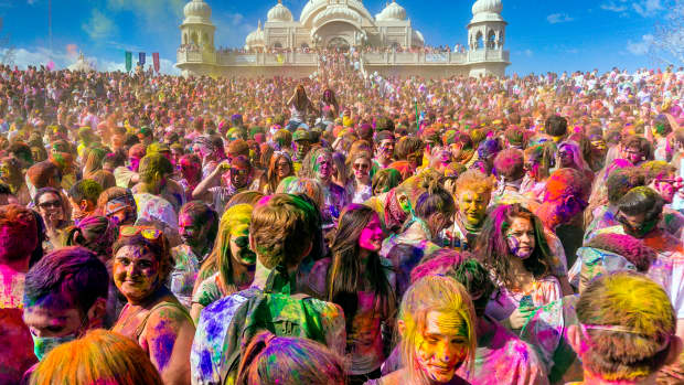 celebration-of-holi-the-festival-of-colors