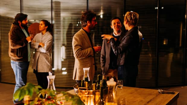networking-at-events-with-an-elevator-pitch