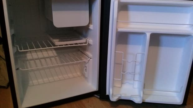 back-to-school-getting-a-mini-fridge-for-college