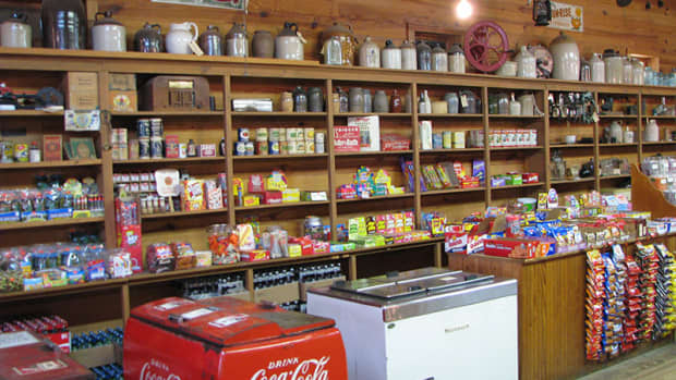 old-fashioned-country-store-general-store-country-home-new-products