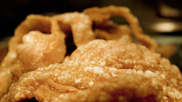 filipino-chicharon-fried-pork-rinds