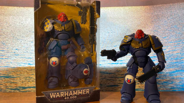 review-of-mcfarlane-toys-warhammer-40-000-ultramarines-primaris-assault-intercessor-7-action-figure