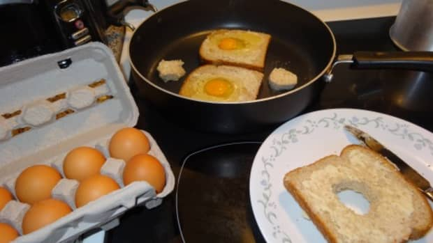 holy-eggs-the-all-in-one-egg-and-toast-breakfast