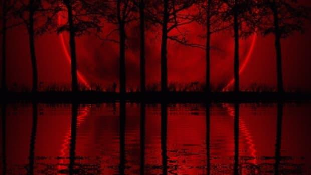 red-moon-lagoon