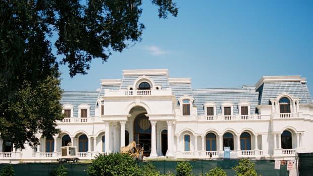 mega-mansions-of-the-1-versailles-windermere-fl