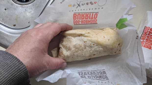 review-egg-normous-burrito-from-burger-king