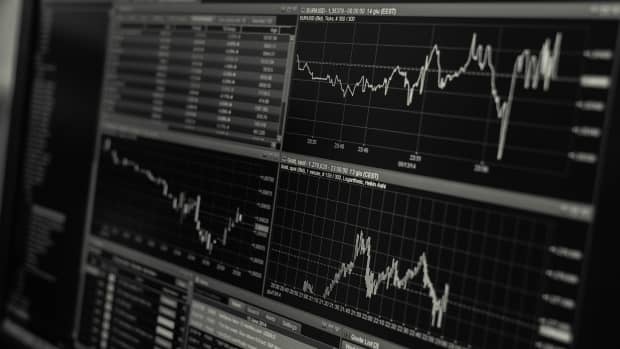 choosing-a-forex-trading-strategy-look-for-main-features
