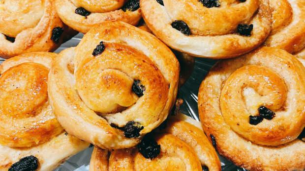 homemade-delicious-spiral-raisin-danish-recipe