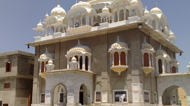 the-miracle-of-gurunanak-at-panja-sahib-at-hasanbal-pakistan
