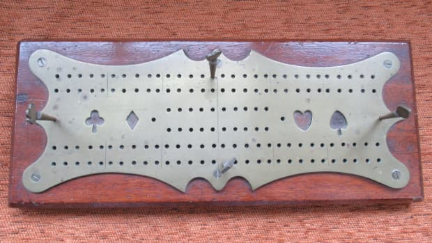 family-history-in-objects-cribbage-board-bamboo-shaker-1914-christmas-box-victorian-miniature-coin-box