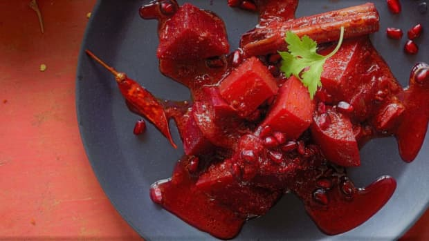 pomegranate-beetroot-curry