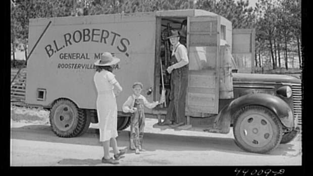 oaklin-one-of-the-last-peddlers-of-the-southern-rolling-stores-era