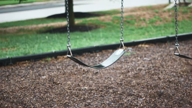 the-old-man-the-child-and-the-swing
