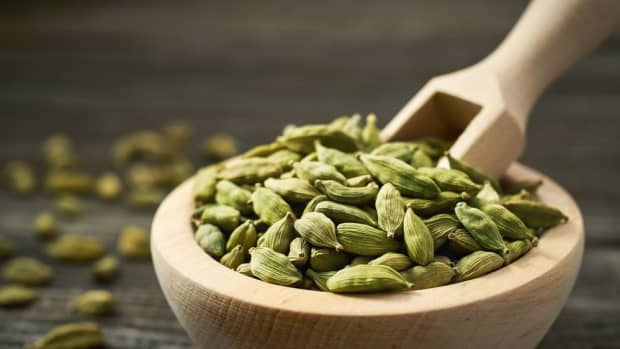 what-is-cardamom-the-benefits-of-cooking-with-cardamom