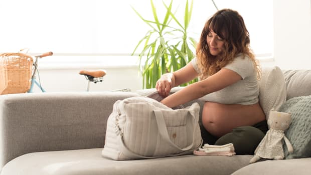 the-complete-list-of-things-to-pack-into-your-maternity-bag-for-a-comfortable-stay-in-hospital