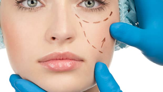 natural-beauty-vs-cosmetic-surgery