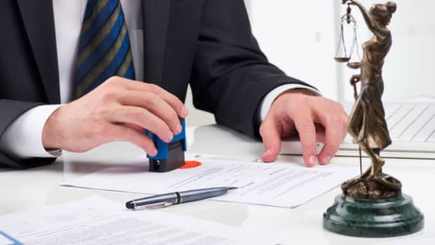 5-benefits-of-hiring-an-immigration-lawyer-to-represent-you