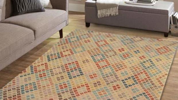 kilim-rugs-and-its-unusual-motifs