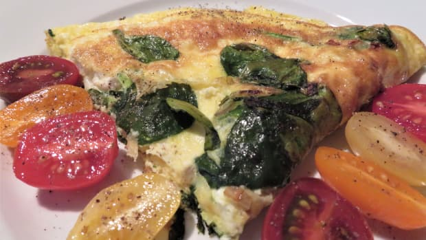 quick-and-easy-stovetop-omelette-with-baby-spinach-and-feta-cheese