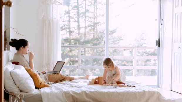 naptime-hustle-surviving-the-first-year-of-motherhood-as-an-entrepreneur