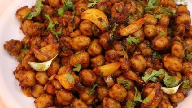 how-to-make-dhaba-style-crispy-chana-garlic-at-home