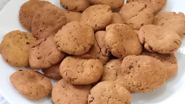 khasta-methi-mathri-recipe-indian-savoury-crackers