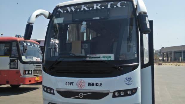 travel-to-hubballi-by-airawata-club-class-multi-axle-bus