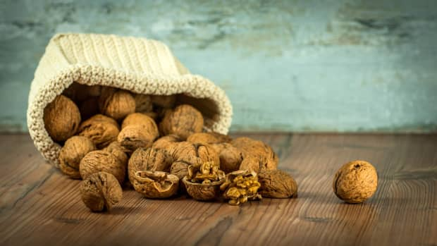 eat-nuts-to-stay-healthy