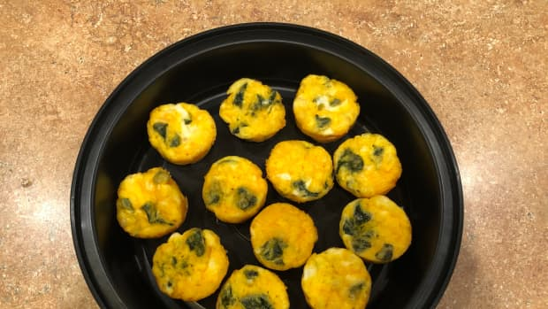 spinach-and-cheese-egg-muffin