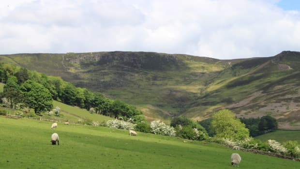 climbing-kinder-scout-a-walk-from-edale-up-grindsbrook-clough-and-along-the-pennine-way