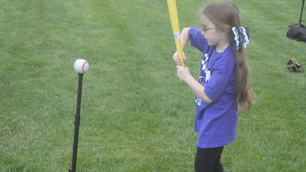how-to-teach-young-children-to-hit-a-baseball--bat-control