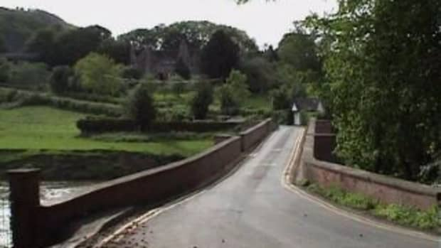 Bredwardine Bridge - leading to the Red Lion Hotel
