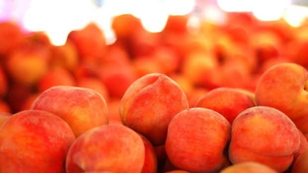 worlds-best-peach-cobbler-recipe