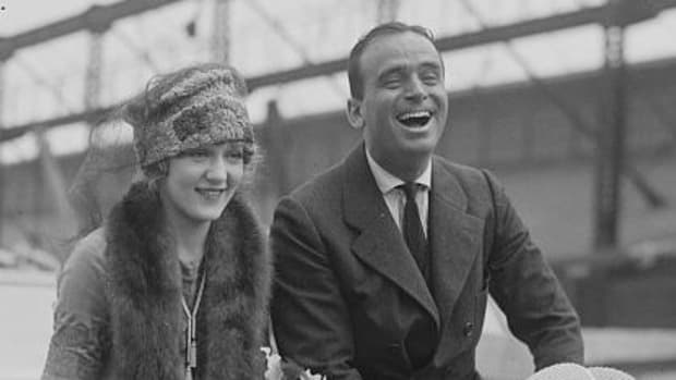 Classic Hollywood Couples - Douglas Fairbanks and Mary Pickford