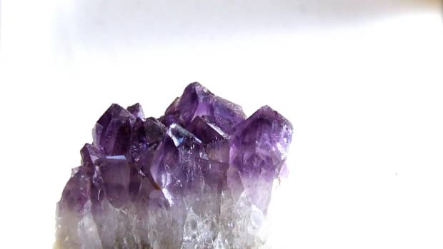 seven-crystals-for-imbolc