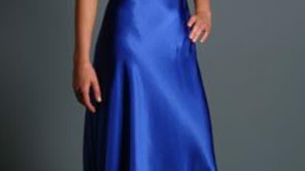 sensual-nylon-nightgowns---feminine-sleepwear-for-men