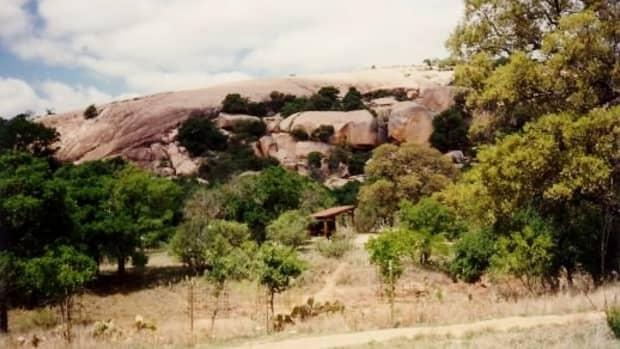 texas-state-park-fun-hiking-climbing-enchanted-rock