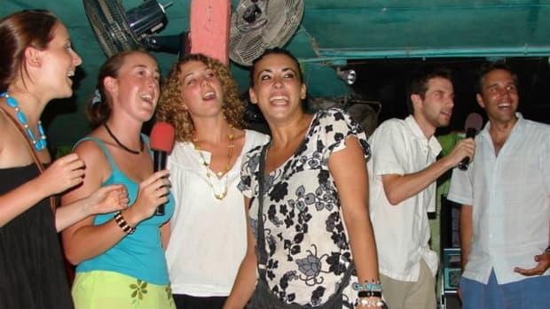 10-best-and-worst-karaoke-songs-to-sing