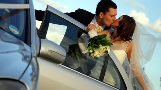 The best man replaced the bride's lipstick with superglue to ensure a hot honeymoon week full of romance.