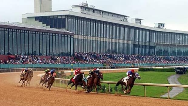 10-race-tracks-every-horse-racing-fan-should-visit