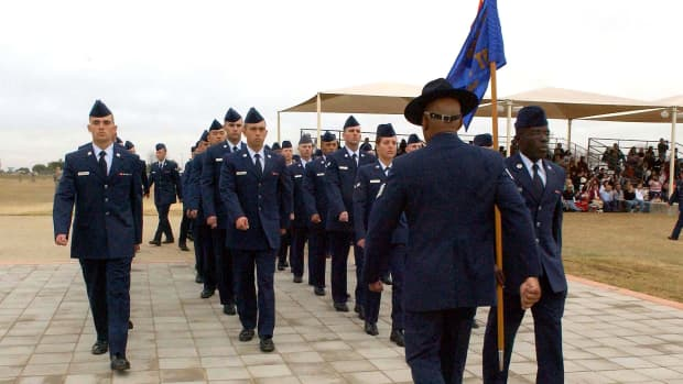 a-womans-guide-to-surviving-air-force-basic-training