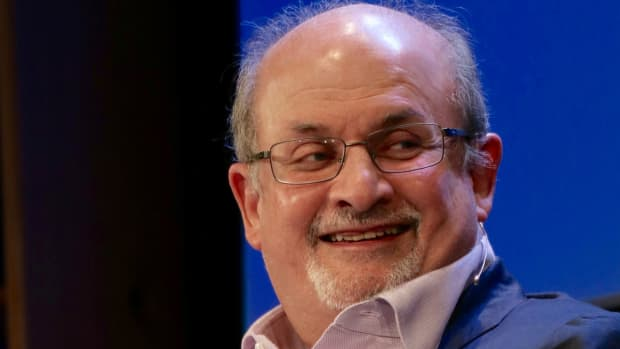 summary-and-analysis-at-the-auction-of-the-ruby-slippers-by-salman-rushdie